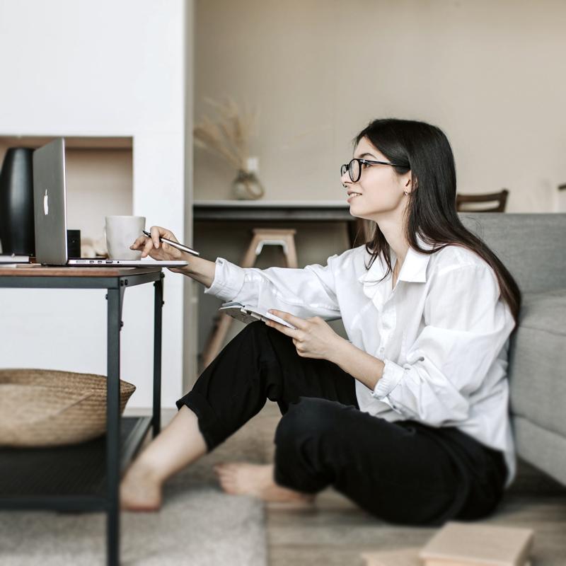 Claves para que líderes reales gestionen equipos virtuales
